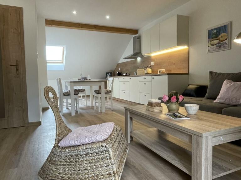 Apartmán Attic - Obývák s kuchyní